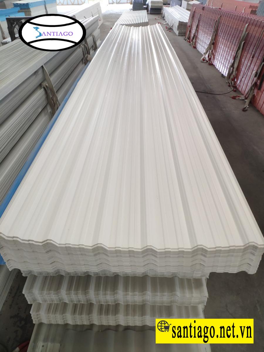 tôn nhựa đóng trần nhà