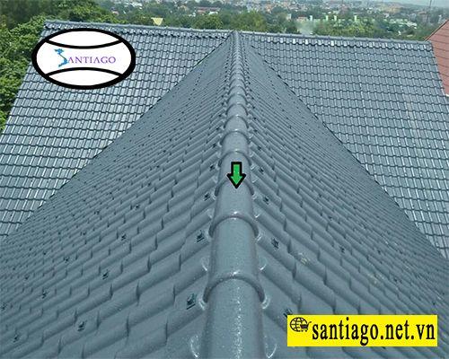 vị trí lắp đặt tấm úp nóc mái ngói nhựa